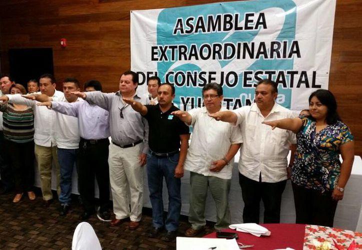 En asamblea extraordinaria, el partido Nueva Alianza eligió a su comité directivo estatal. Imagen de la toma de protesta en un conocido hotel de Mérida. (Milenio Novedades)