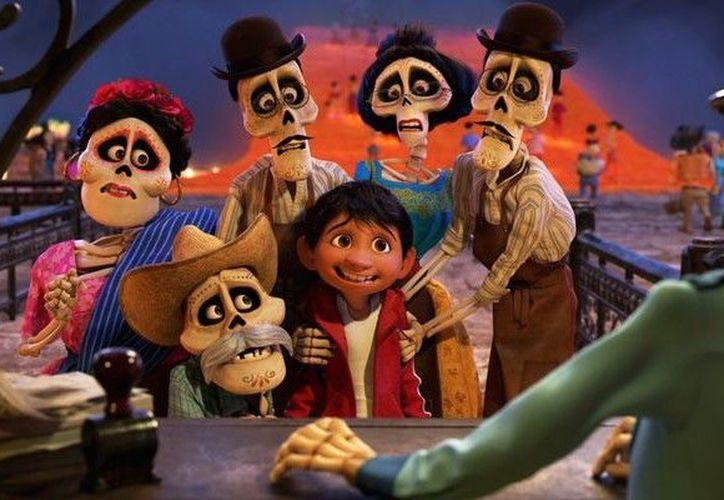 Todos los personajes de 'Coco' saldrán a escena en febrero próximo. (Foto: Contexto)