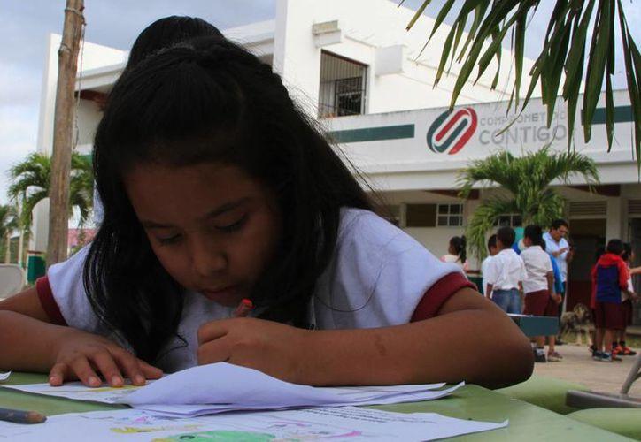 El 91 % de los 283 mil 905 estudiantes de planteles públicos del Estado, será beneficiado. (Ángel Castilla/SIPSE)
