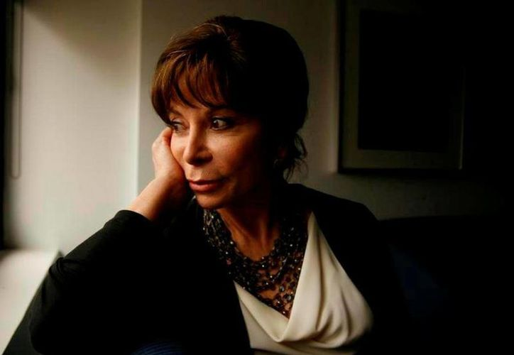 """Isabel Allende aclaró que trataba de burlarse de sí misma al decir que su libro era """"un chiste"""", durante la entrevista en el programa de NPR """"All Things Considered"""". (Agencias)"""