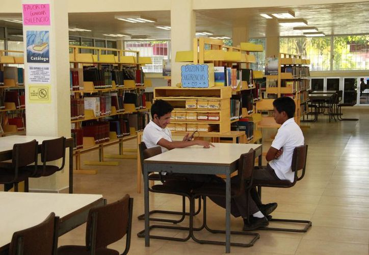 """La Biblioteca Pública """"Enrique Barocio Barrios"""" estará abierta al público para quienes deseen invertir el tiempo en lectura. (Tomás Álvarez/SIPSE)"""