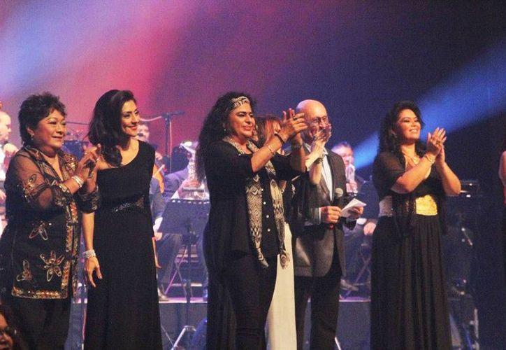 Imagen del concierto Las Bohemias de tu corazón el pasado martes en el teatro Armando Manzanero. (Tomado del Facebook de María Teresa Gómez)