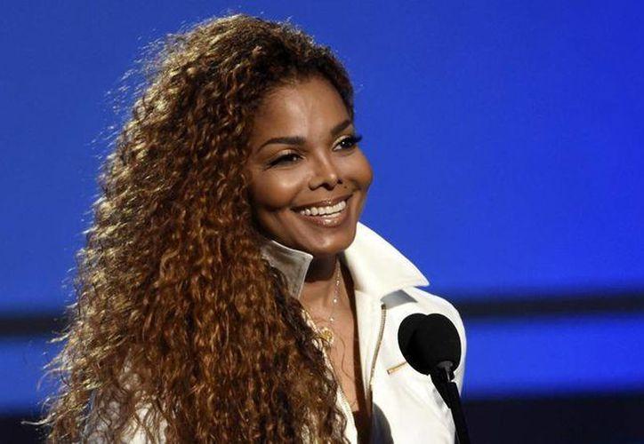 Janet Jackson pospuso una serie de conciertos debido a que fue sometida a una cirugía este martes, por lo que se planea su regreso a los escenarios a finales de este año. (Archivo AP)