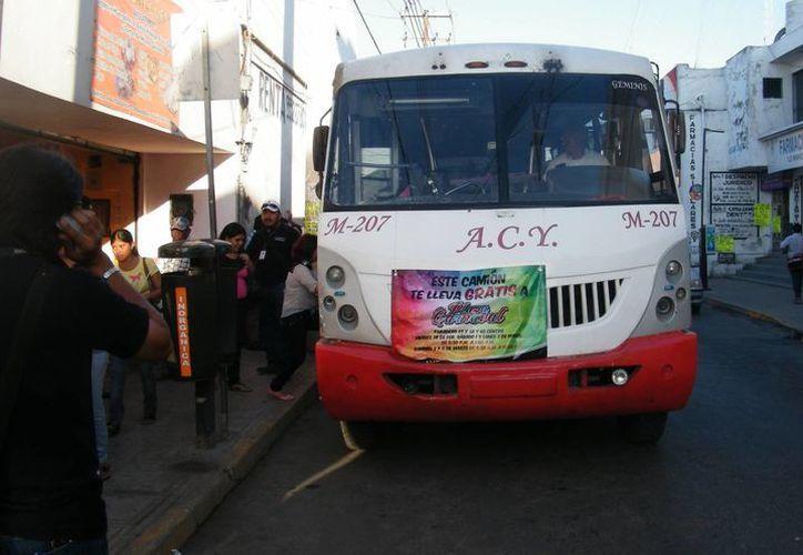 Autobuses no se detenían ni daban parada para bajar pasaje en la ruta. (Milenio Novedades)