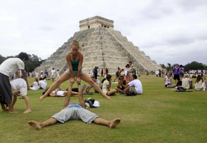 Chichén Itzá se prepara para recibir el viernes 21 de marzo a miles de turistas, con motivo del equinoccio de primavera. (SIPSE/Archivo)