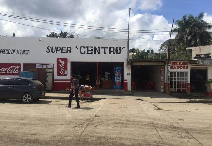 El local se encuentra a escasos 300 metros de las oficinas de la alcaldía municipal. (Edgardo Rodríguez/SIPSE)