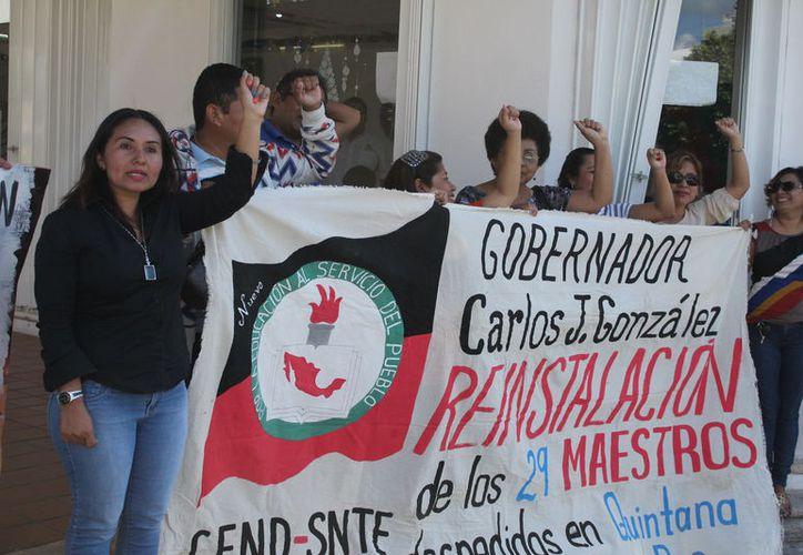 Los maestros que fueron separados de sus cargos por no someterse a la evaluación docente en 2015 serán recontratados, afirmó el futuro titular de la SEP, Esteban Moctezuma Barragán. (Daniel Tejada/SIPSE)