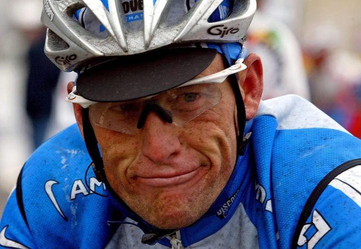 Lance Armstrong confesó que quiere volver a las competencias, pero tiene cerradas todas las puertas. (Foto: EFE)