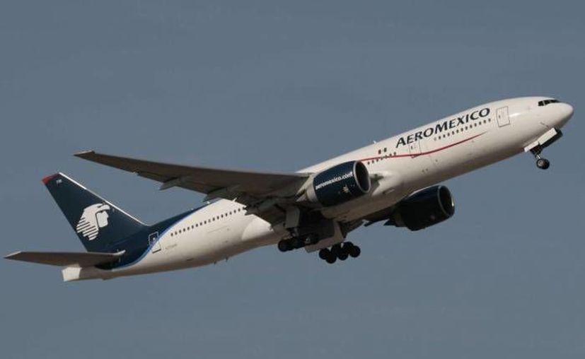 El vuelo de Aeromexico 695, proveniente de Carcas, Venezuela, aterrizó de emergencia en el Aeropuerto Internacional de Cancún. (Contexto/Internet)