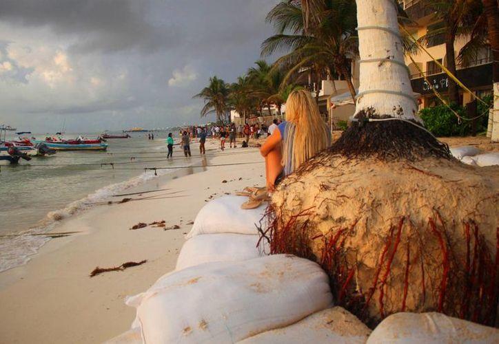 La zona costera del centro de Playa del Carmen tuvo una disminución del 25% en cuanto a actividad turística náutica. (Daniel Pacheco/SIPSE)