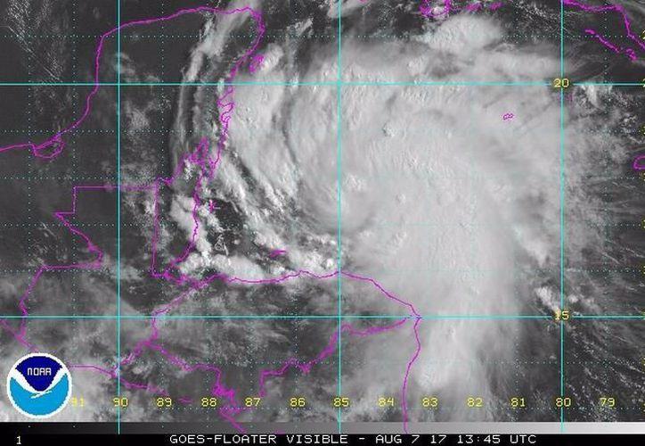 No se presentarán riesgos en Cancún, Puerto Morelos y Playa del Carmen, pero autoridades piden a la comunidad estar alertas. (Foto: Internet).