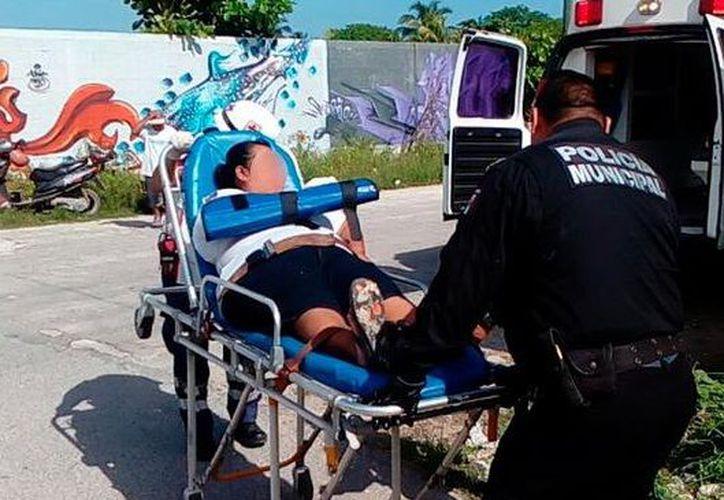 Mujer perdió el ojo, pero el agresor fue detenido y turnado a la Fiscalía General del Estado por la denuncia de los afectados. (SIPSE)