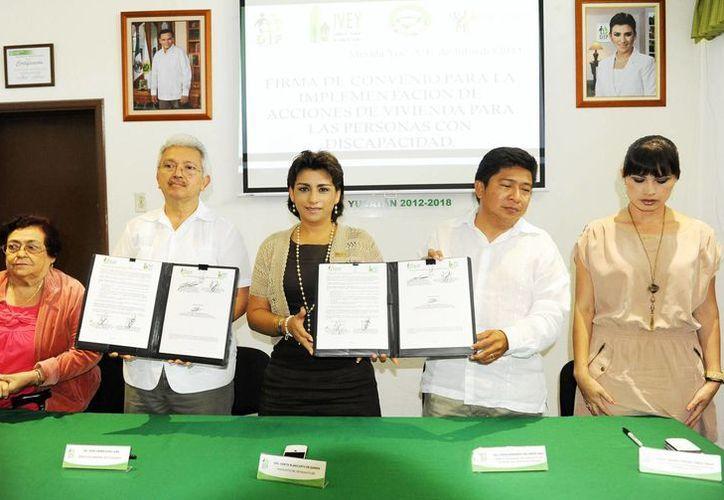 El convenio entre el DIF y el IVEY beneficiará a grupos vulnerables en Yucatán. (Cortesía)