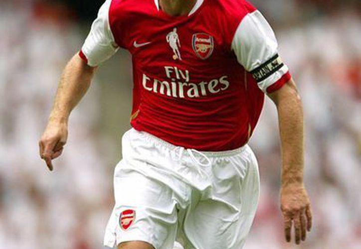 Desde que Bergkamp se retiró del Arsenal el club no ha vuelto a ganar la Liga Premier. (gunnerstrust.com)