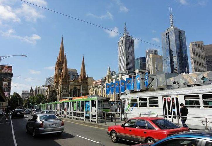 Según un estudio, Australia recibe un aproximado de 11 mil personas durante el año. La foto pertenece a Melbourne, capital del país australiano.(Archivo/AP)