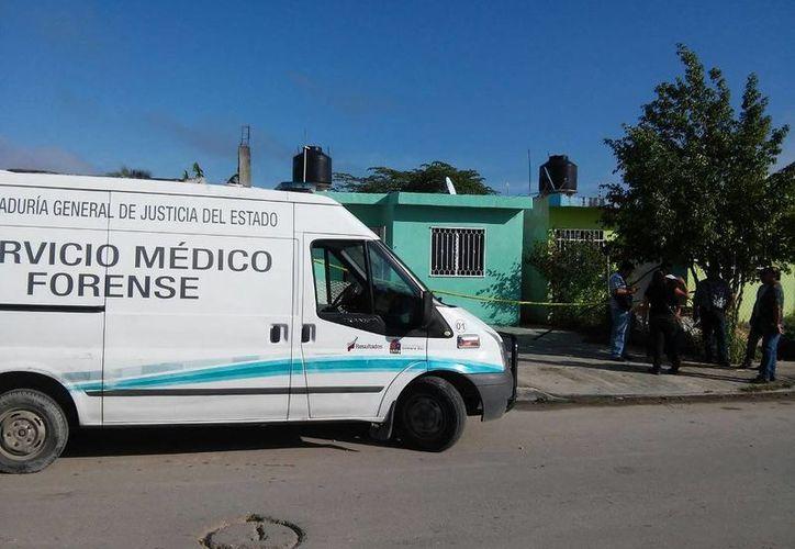 El Servicio Médico Forense se hizo cargo del levantamiento del cuerpo. (Redacción/SIPSE)