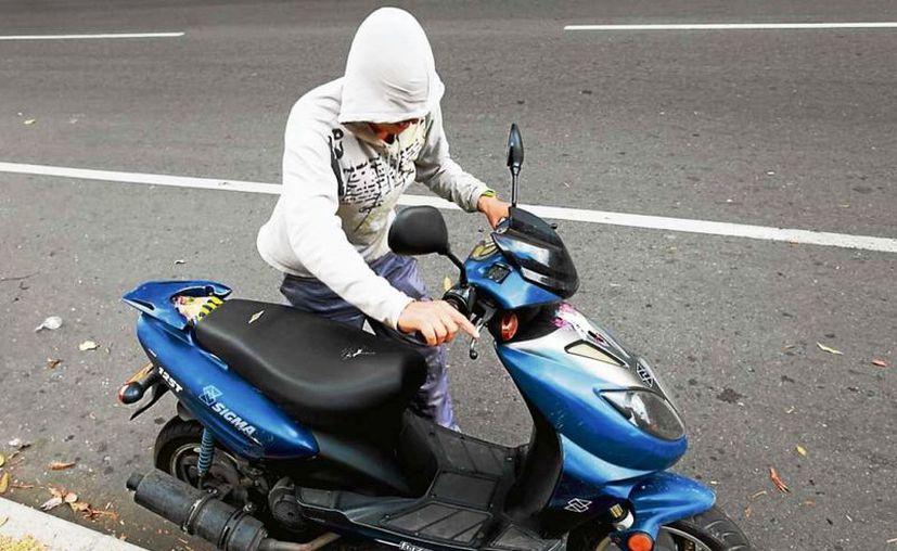 Dos sujetos le cerraron el paso al joven, lo golpearon y se llevaron su motocicleta. (Foto: Contexto)