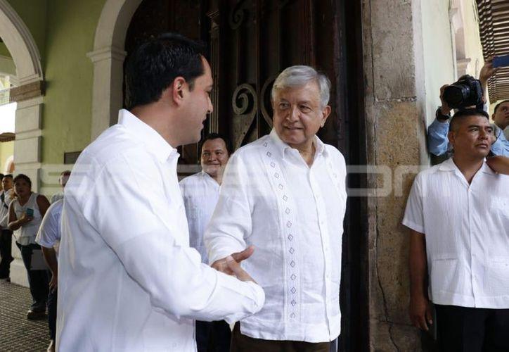 AMLO en su visita de agradecimiento tras ser elegido presidente. (José Acosta/Milenio Novedades)