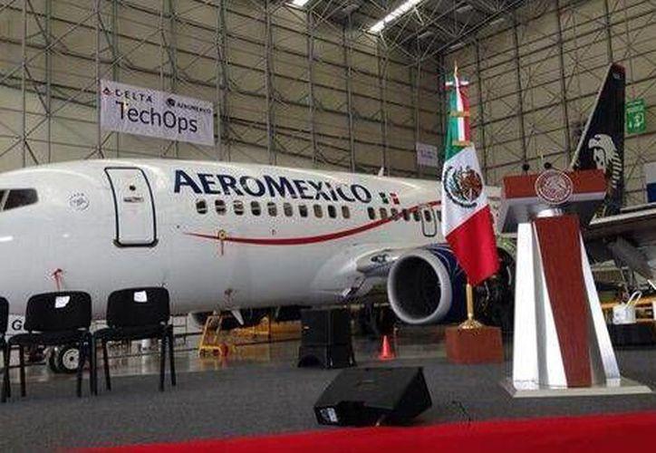 Durante la inauguración del centro TechOps, el presidente Enrique Peña dijo que en México, la industria aeroespacial cuenta con 270 empresas y 11 centros de investigación. (Foto de Milenio tomada de @SE_mx)
