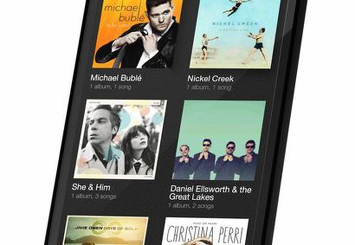 El 'Fire Phone' entra al mercado a competir contra Samsung y Apple, los líderes en smartphones. (EFE)