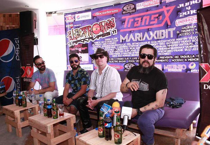 Este fin de semana se llevará cabo el festival de música electrónica más importante de Yucatán, Electrokissv11. A la derecha, Ramón Serratos, organizador y participante. (Jorge Acosta/Milenio Novedades)