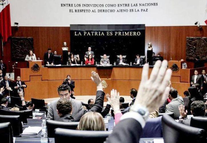 Reunión de las comisiones unidas de Energía y Estudios Legislativos Primera. (Archivo/SIPSE)