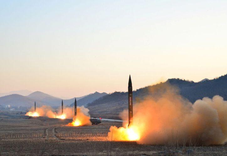 Pyongyang realizó el domingo su segundo disparo de misil en 15 días. (Vanguardia).