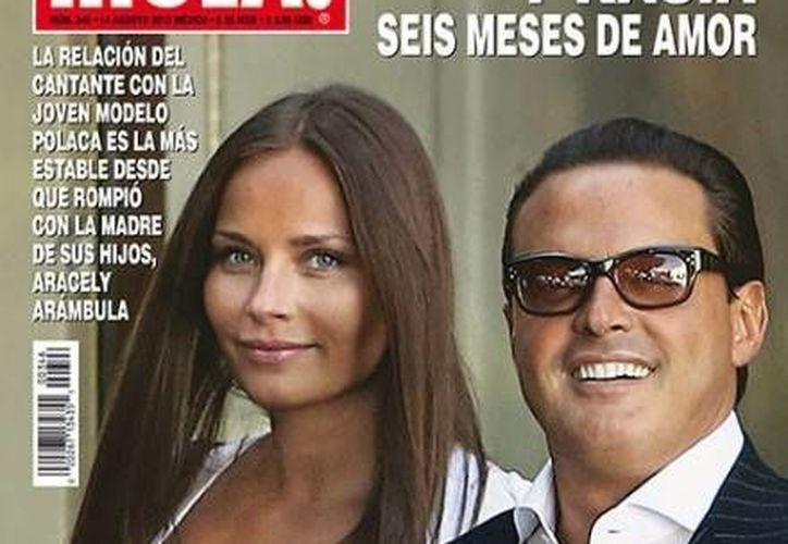 La diferencia de las otras chicas de Luis Miguel, es que lejos de esconderse, como otras veces, se dejaron fotografiar con absoluta normalidad. (Hola.com)