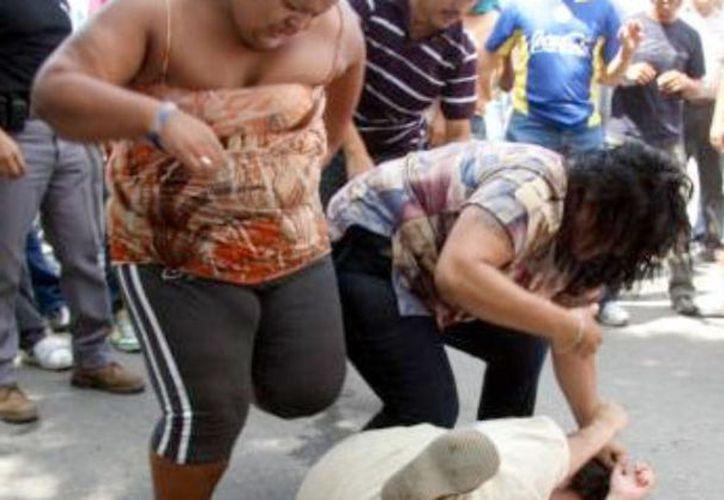 En 2011, priistas y panistas se liaron a golpes en la hoy llamada Glorieta de la Paz. Seis años después, algunos de los responsables fueron condenados. (José Acosta/SIPSE)