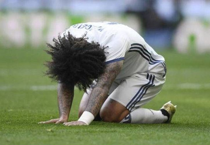 Modric dejaría de jugar al menos una semana, y Marcelo (foto) incluso un mes entero, debido a lesiones. Es un duro golpe para Real Madrid, líder de la Liga de España. (marca.com)