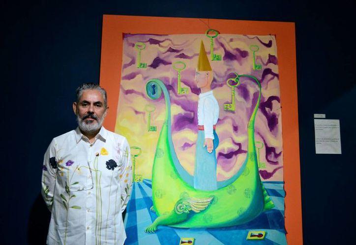 El pintor David Serrano presentó 'Bitácora'. (Daniel Sandoval/ Milenio Novedades)