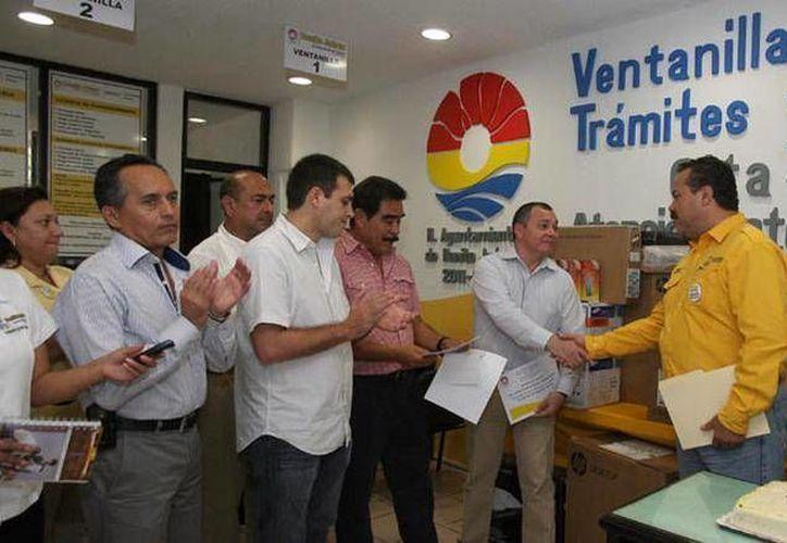El presidente de Benito Juárez recibió el apoyo otorgado. (Cortesía/SIPSE)