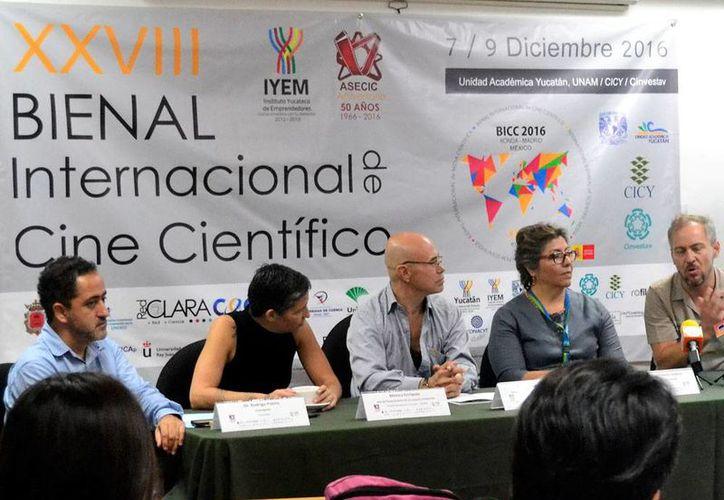 Imagen de la conferencia de prensa que realizaron los organizadores de la XXVIII edición del Bienal Internacional de Cine Científico. (Milenio Novedades)