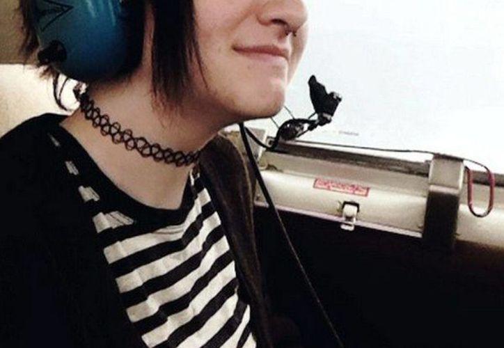 Imagen de Autumn Veatch, adolescente que sobrevivió al accidente que sufrió la avioneta en la que viajaba junto a sus abuelos.(Instagram: cherry.exe)