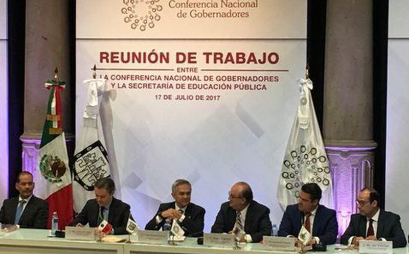 Iniciará en agosto selección de maestros de inglés para normales: Aurelio Nuño