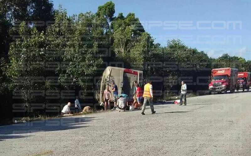 Accidente en Quintana Roo deja al menos 11 turistas muertos