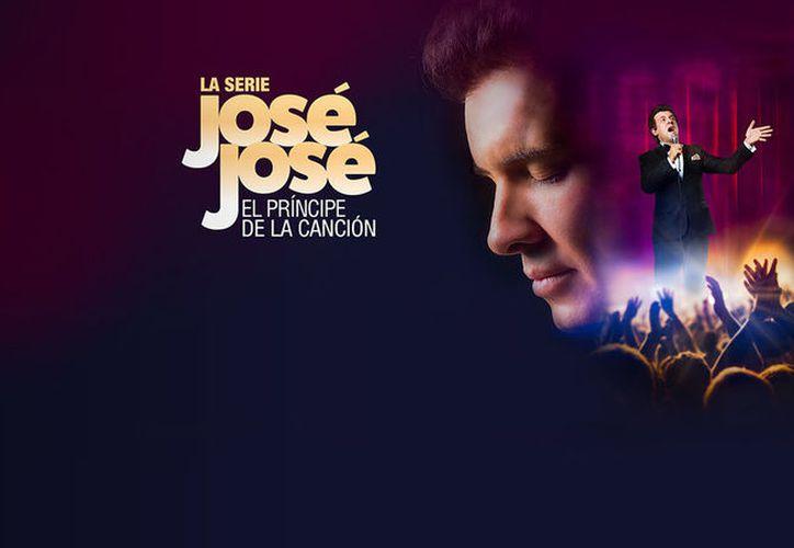 En el tráiler de la serie, se puede ver a José José sentado en un sillón, muy sonriente. (Foto: Serie José José).