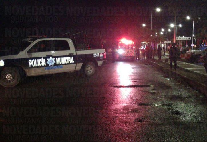 El hombre fue trasladado al Hospital General para recibir atención médica. (Foto: Pedro Olive/SIPSE).