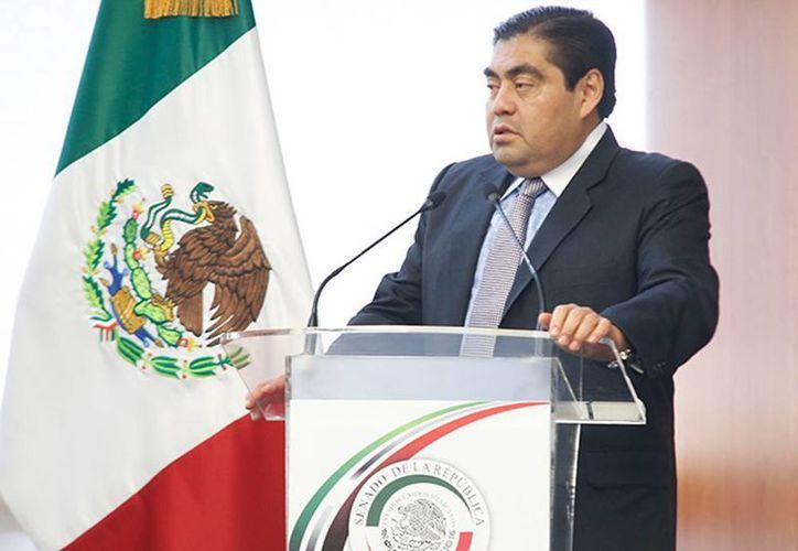 Miguel Barbosa Huerta, presidente del Senado y coordinador de la bancada del PRD aseguró que es necesario reinstituir la secretaría de seguridad pública a nivel federal, a fin de fortalecer la estrategia de política criminal. (Excelsior)