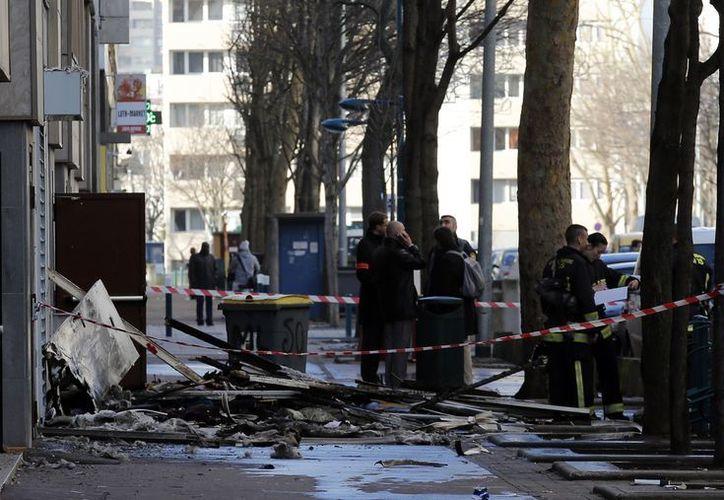 Los bomberos dijeron que el edificio estaba 'en perfectas condiciones'; ya investigan la causa del fuego. (Agencias)