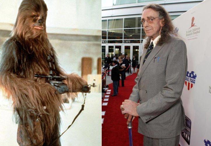 Peter Mayhew, Chewbacca, de 2.21 metros de estatura, quien debió ser hospitalizado debido a una neumonía, volverá a aparecer en los cines a fin de este año por el estreno de The Force Awakens o El despertar de la fuerza. (nydailynews.com)