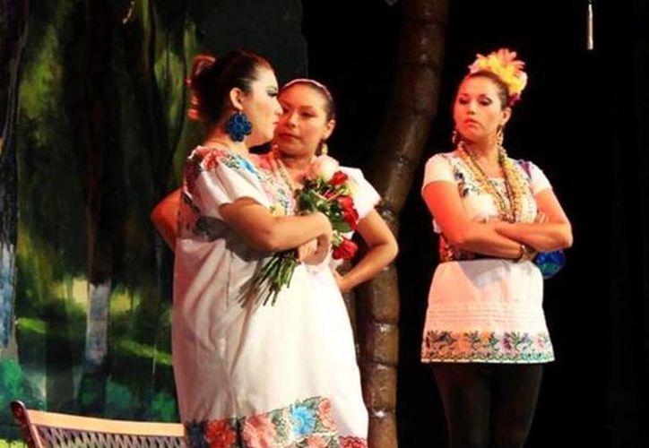 Las actrices sobre el escenario. (Milenio Novedades)