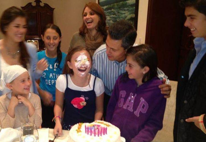 La más pequeña de la familia cumplió ocho años. (Facebook/Angélica Rivera)