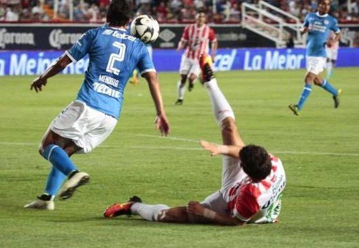 Necaxa empató 0-0 como local con Cruz Azul en el inicio del torneo Apertura de la Liga MX. (as.com)