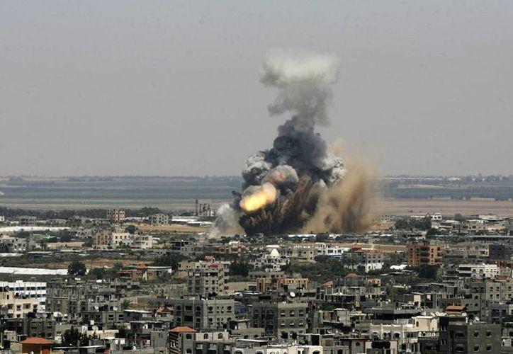 Ataque aéreo en Rafah, Israel. Militares israelíes se preparan para realizar una gran ofensiva contra Hamas. (Foto: AP)