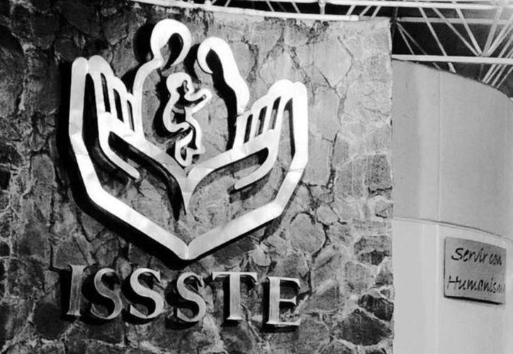 El director de Administración y Finanzas del ISSSTE, Pedro Zenteno Santaella, dijo que el Instituto tiene un pasivo de casi 19 mil millones de pesos. (Foto: Reforma)