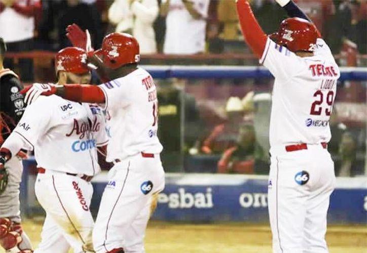 Ricky Alvarez y Luis Juárez pegaron sendos cuadrangulares, además de rally de cuatro carreras en la sexta entrada impulsó al cuadro de casa a triunfar sobre Venados de Mazatlán. (Foto tomada de lmp.mx)