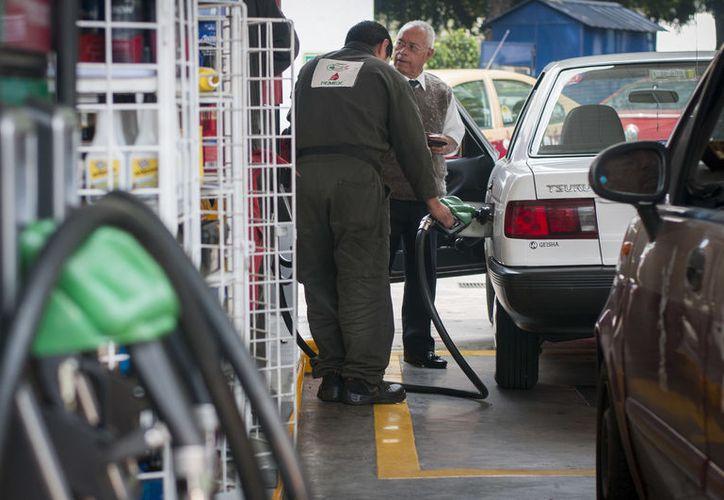 Actualmente las estaciones de servicio de gasolinas no tienen control sobre los compuestos orgánicos volátiles que emiten. (Joel Zamora/SIPSE)