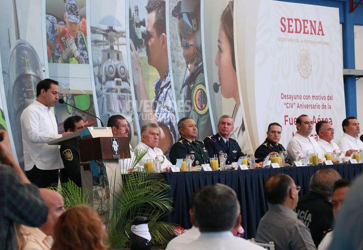 Estamos avanzando para hacer de Yucatán un lugar cada vez más competitivo,  expuso el Gobernador. (Fotos Jorge Acosta)