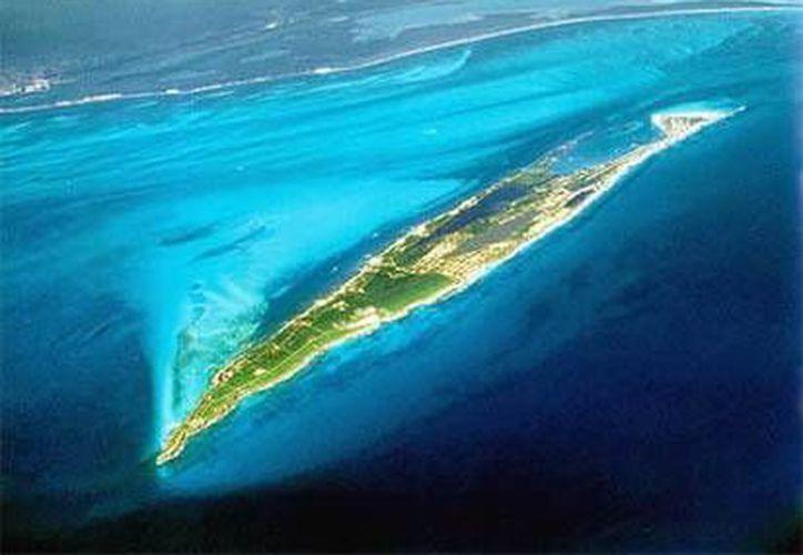 Playa Norte de Isla Mujeres será el escenario dónde se presentarán siete Dj's. (Foto/Internet)
